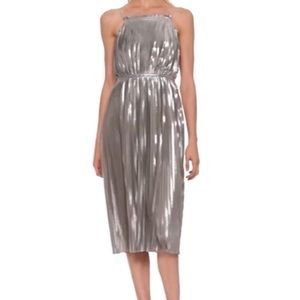 Metallic pleated dress (antique silver)